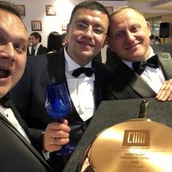 Дмитрий Некрасов и Андрей Осиковский с одним из победителей «Соли» Николаем Заинчковским («Соломенская броварня»)
